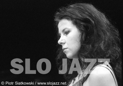 AGATA ZUBEL singer vocalist composer electroacoustic Lutoslawski Derwid ElettroVoce Wroclaw image slojazz photo