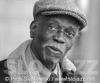 HANK JONES jazz piano player American composer bandleader arranger bebop musician soloist image slojazz photo Piotr Siatkowski