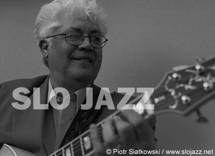 LARRY CORYELL guitar jazz rock fusion free post bop American electric guitarist acoustic player improvising Eleventh House Spaces Mingus Burton McLaughlin Corea Remler live gig concert music portrait photography slojazz image Piotr Siatkowski