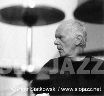 PIERRE FAVRE drums jazz free solo percussion player improvisation Swiss contemporary music modern classical avantgarde image slojazz photo Piotr Siatkowski