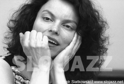 ROBERTA GAMBARINI jazz women singer photo slojazz